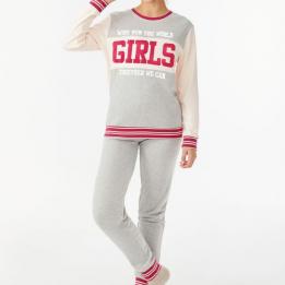 Pijama Tres Piezas con Estilo College, Promise